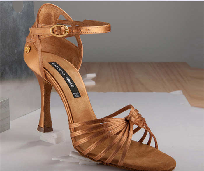 Shoes / Footwear Photo Editing Services